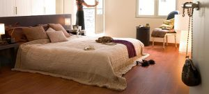 Parketreus biedt advies bij het kiezen van de juiste ondervloer